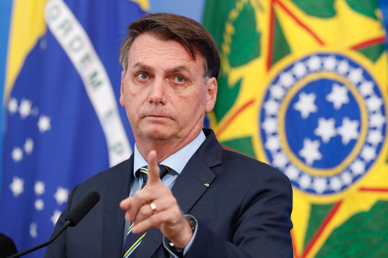 Jair Bolsonaro volta a ameaçar