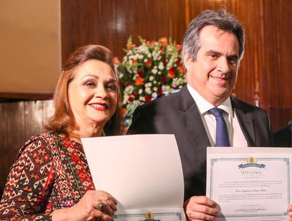 Eliane Lima com o filho Ciro Nogueira na diplomação no TRE-PI