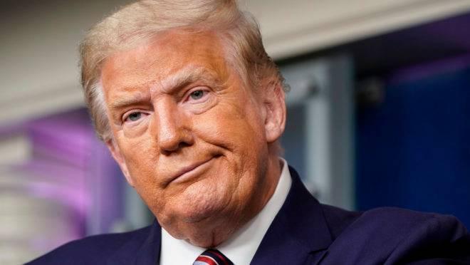 Donald Trump é 0 45º presidente dos Estados Unidos da América