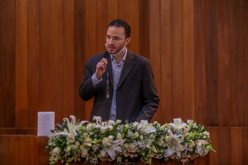 Iago fala sobre o pai, Assis Carvalho