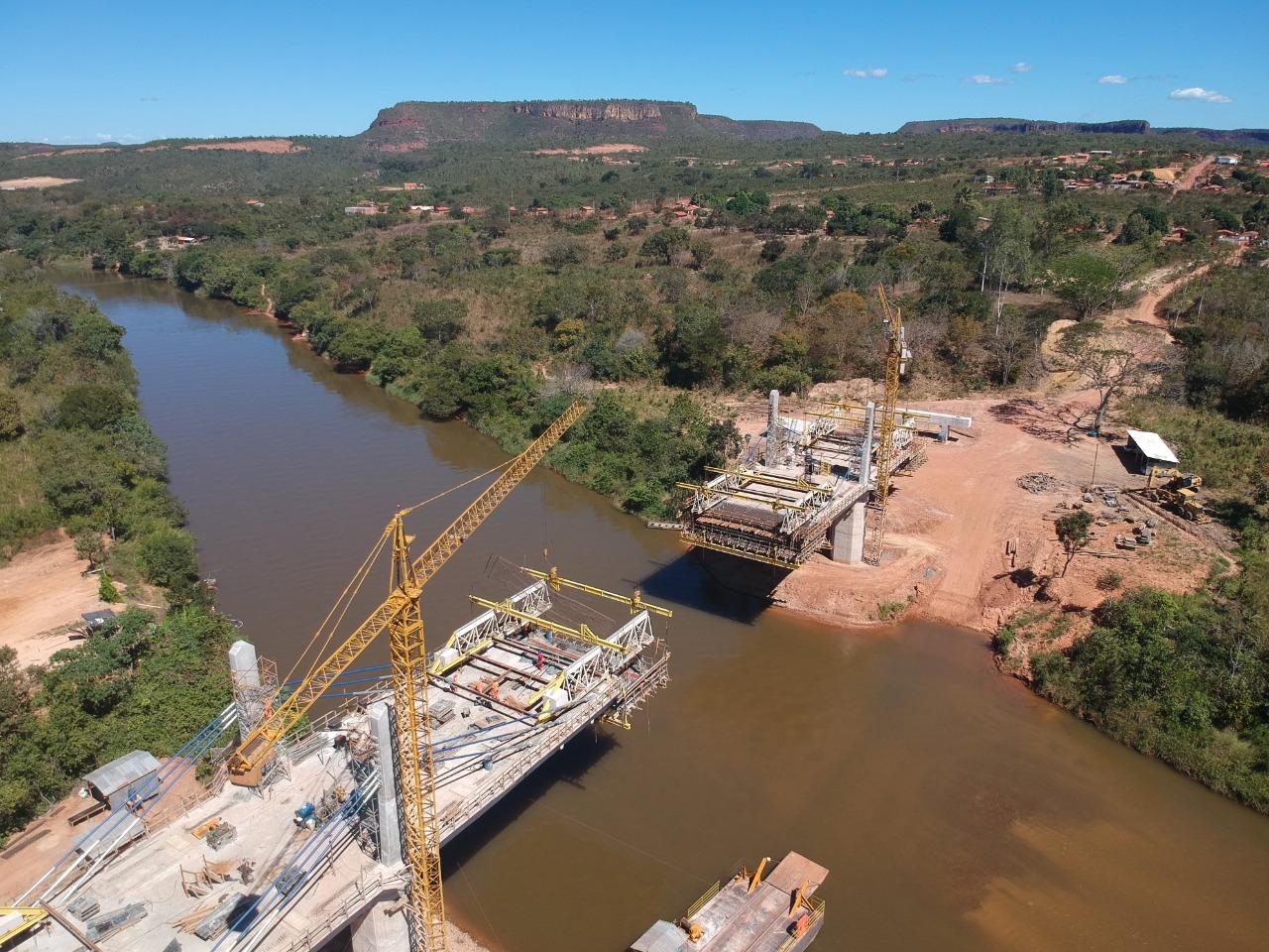 Deputada comemora as obras da ponte de Santa Filomena - Câmara dos Deputados