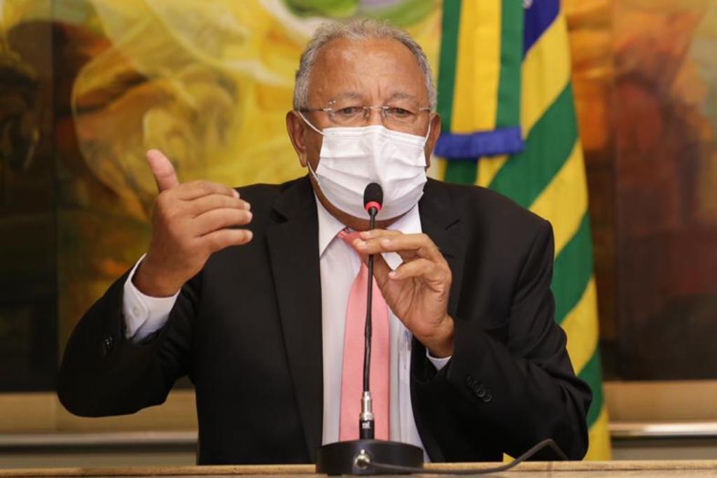 Dr. Pessoa irá discutir fim da greve com os professores da rede municipal de ensino